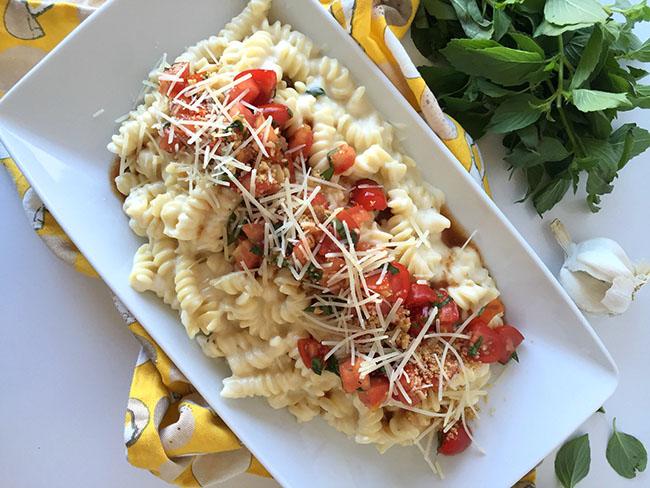 bruschetta mac and cheese