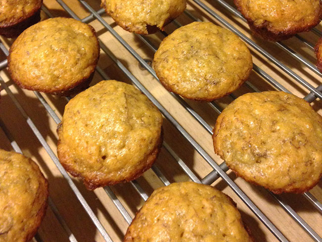 muffins cooling