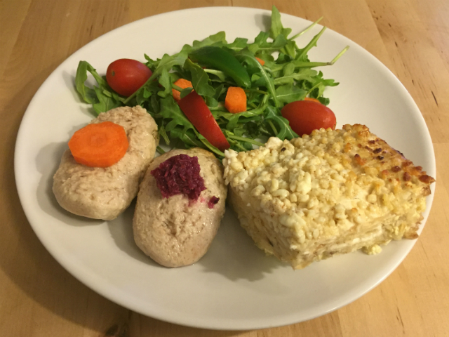Matzah Kugel served with gefilte fish and side salad
