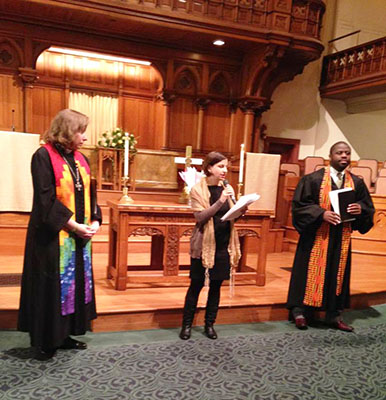 Rabbi Sarah leads church service
